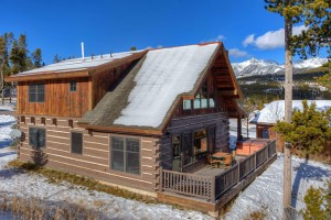 Yellowstone national park ski in ski out lodging alltrips for Big sky cabin rentals