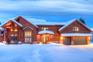 Big Sky Vacation Rentals   Private Luxury Homes :: Luxury homes one-hour from Yellowstone! Winter ski access to 5800+ acres of skiable terrain at Big Sky. Summer activities include hiking, rafting, zip lines, swimming and more