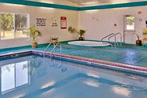 Super 8 - 5 minutes to Bozeman Airport :: Known for our attentive service, clean rooms, family pool and gym, enjoy multiple dining options within walking distance. On the main route to Yellowstone & Big Sky skiing.