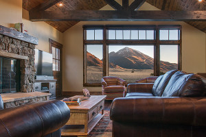 Patricia Blume - Distinctive Vacation Rentals :: A terrific collection of well-maintained homes, cabins and family lodges throughout the Paradise Valley near Livingston and Big Timber Montana. Many along river corridors.