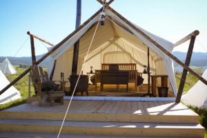 Yellowstone Under Canvas - Luxury Tent Cabins :: Luxury camping just 10 mins from Yellowstone National Park. King size beds, luxury bathrooms, and restaurant serving gourmet meals. All Inclusive packages available!
