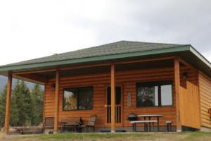 Yellowstone Park Riverfront Cabins