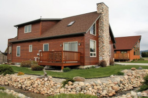AAA Red Lodge Rentals - Stay 7 nights, pay for 6