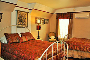 Victorian Inn - beautiful B&B suites in Gardiner